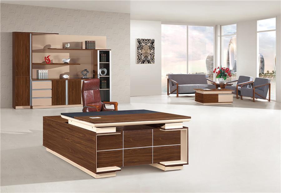1米长棕色胡桃木环形办公桌装修效果图.jpg