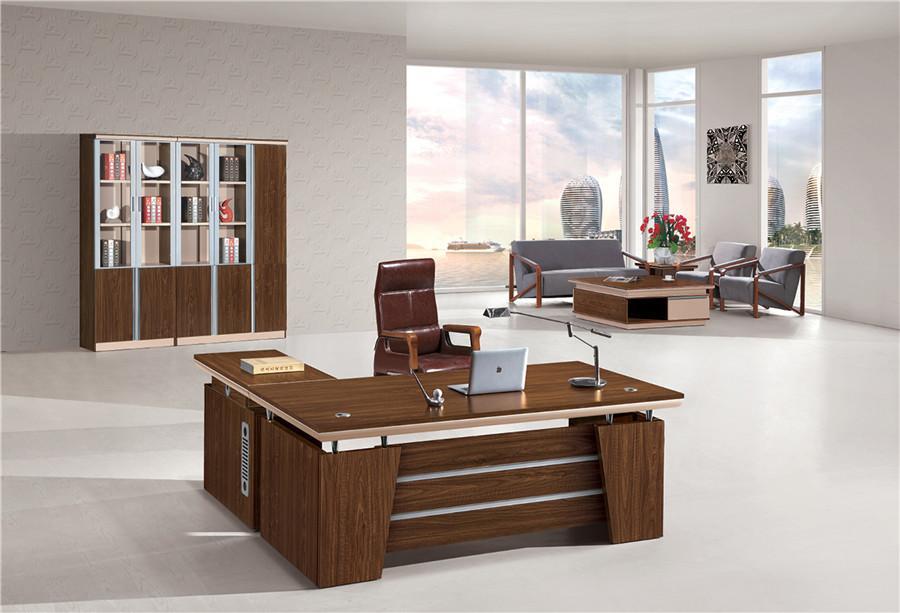 1米长棕色钢木结构现代简约办公桌装修效果图.jpg