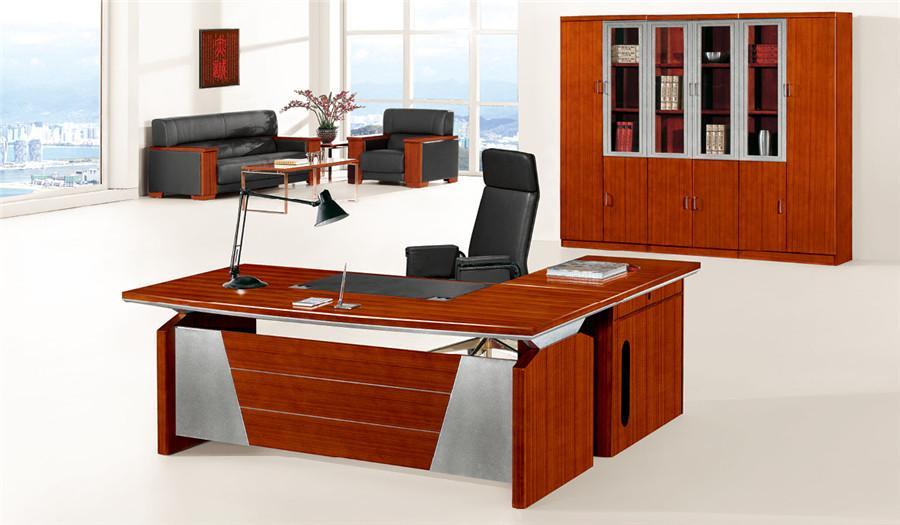 1.6米宽泰柚木单人时尚实木办公桌装修效果图.jpg