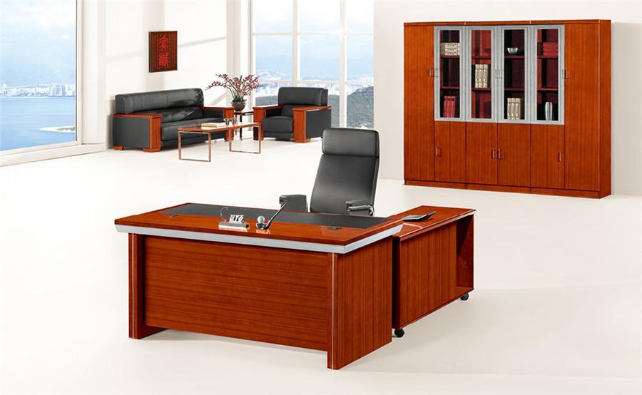 0.8米长泰柚木单人办公桌装修效果图.jpg