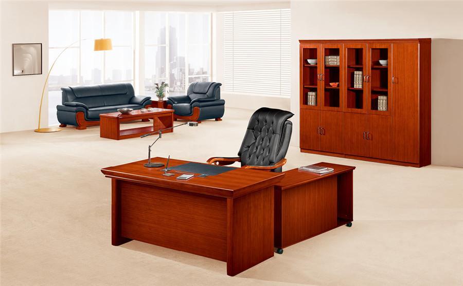 1.5米长泰柚木简约单人办公桌装修效果图.jpg