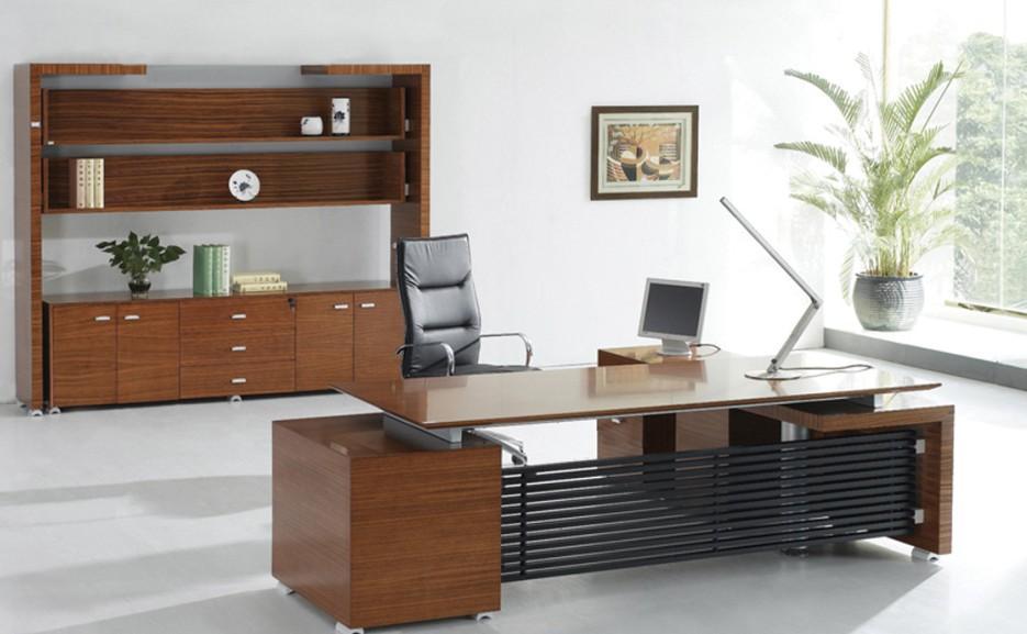 褐色油漆胡桃木实木办公大班台现代简约风装饰效果图