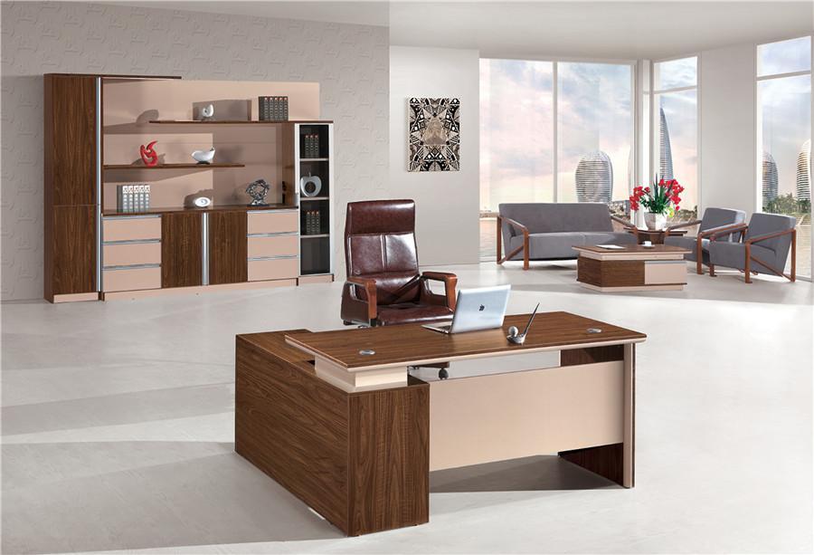 褐色泰柚木实木老板桌现代简约风装饰效果图