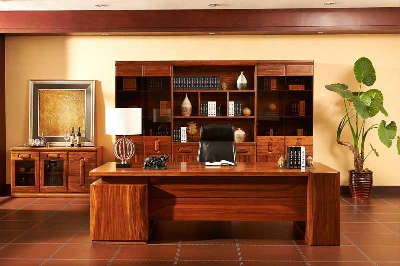 红棕色胡桃木实木酒店会议室用办公桌现代简约风装饰效果图
